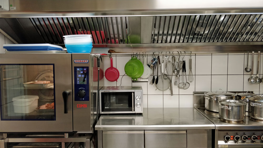 Wir bieten eine Stelle als Koch / Köchin ab 01.01.2018